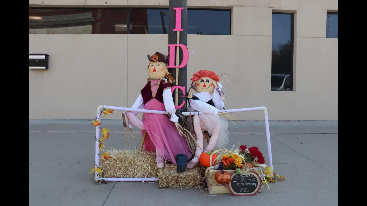 Scarecrow Light Pole Contest